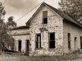 Castoro_winery_farm_house