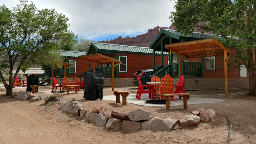 Campground review moab koa moab ut the tin can for Moab utah cabins